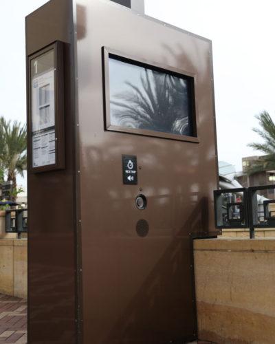 One-Gateway-Los-Angeles-Kiosk-(CS-Brown-Met-3M-ML)